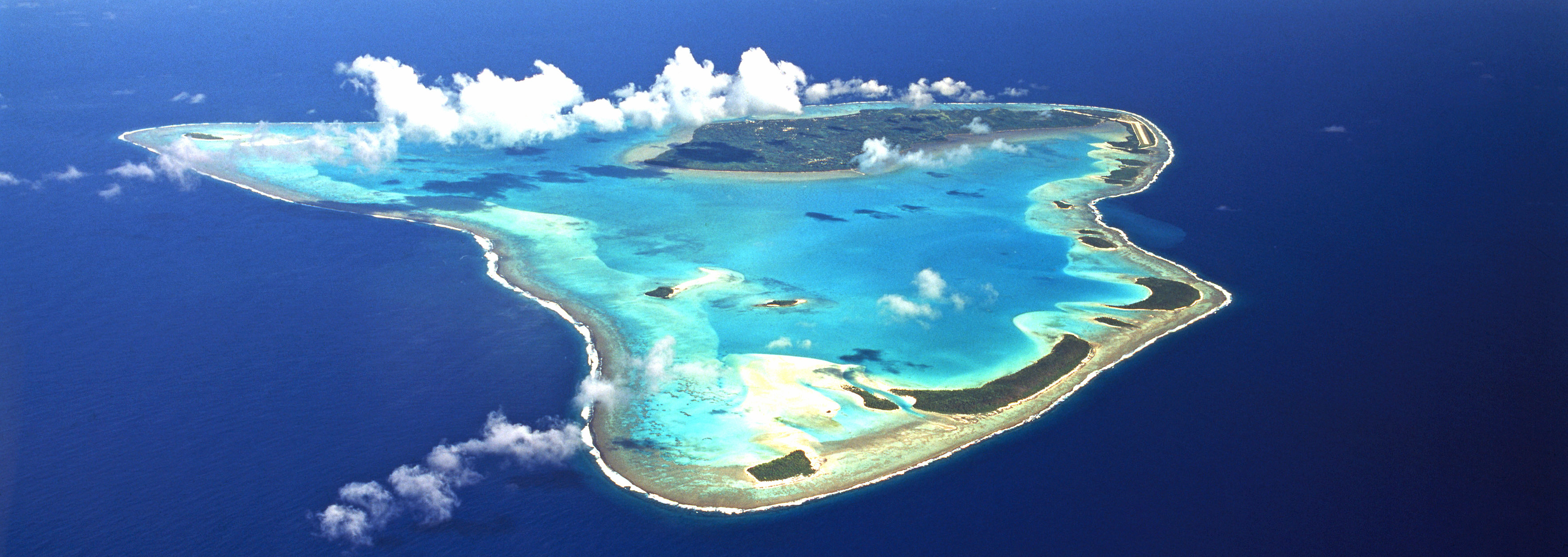 how to live on the cook islands